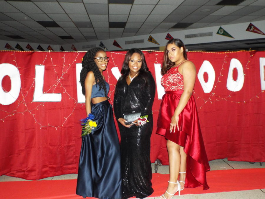 Juniors made their way down the red carpet for this year's Junior Prom