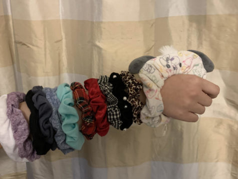"The sleeve of scrunchies keeps the ""VSCO girl""  warm in this cool Autumn weather."